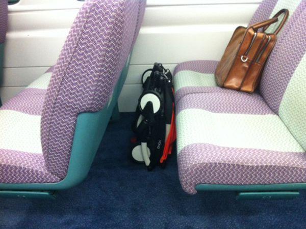 location d'une poussette Yoyo dans le train